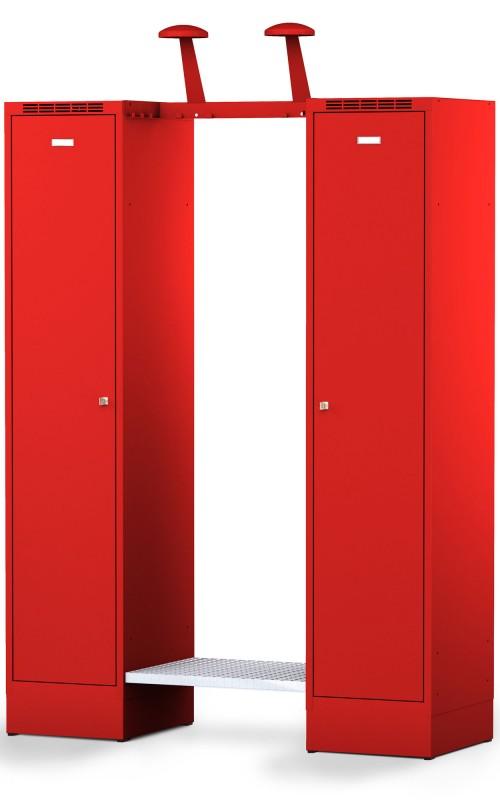 Die Feuerwehrgarderobe FLEX von rotstahl® ist ein Einsatzspind von rotstahl®. Die Garderobe kombiniert die offene Lagerung der Schutzbekleidung mit abschließbaren Privatabteilen. Weitere Anpassung sind beim Kaufen direkt vom Hersteller natürlich möglich.