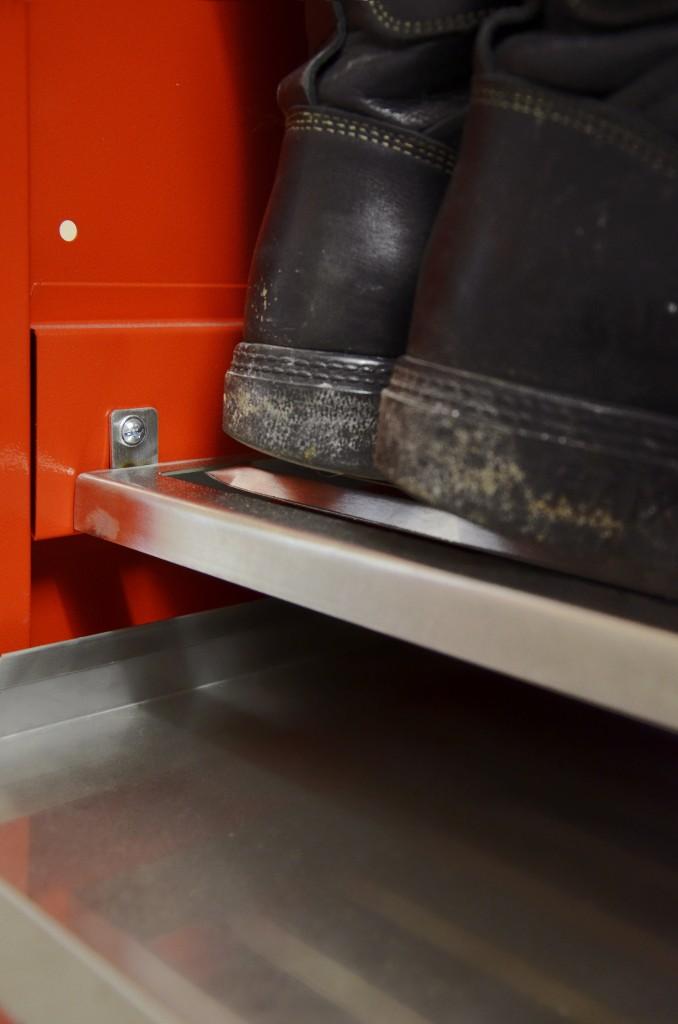 Innovationswettbewerb Feuer&Flamme - Schuhfach mit Auffangbecken