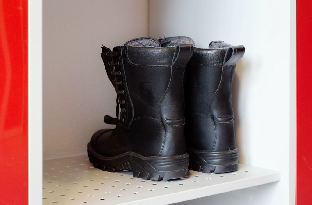 Feuerwehr-Garderobe FLEX mit Schuhablage für Stiefel