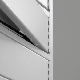Umgefaltete Kanten verhindern das Aufhebeln des Laptopschranks