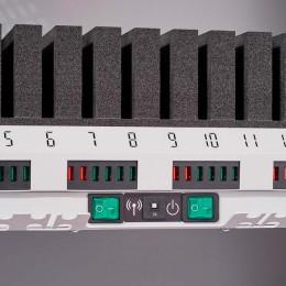 USB Ladeeinheit und Netzschalter im Tabletwagen