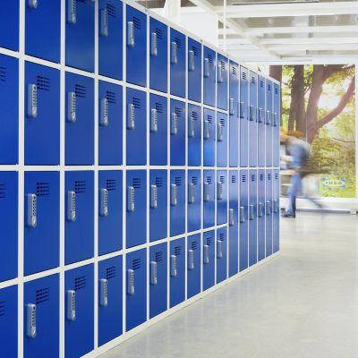 Schließfachschrank in Kombination mit Garderobenschrank von rotstahl   IKEA Berlin