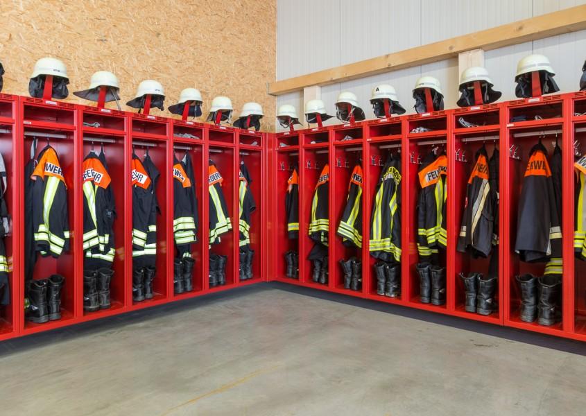 Ecklösung für Feuerwehrschränke