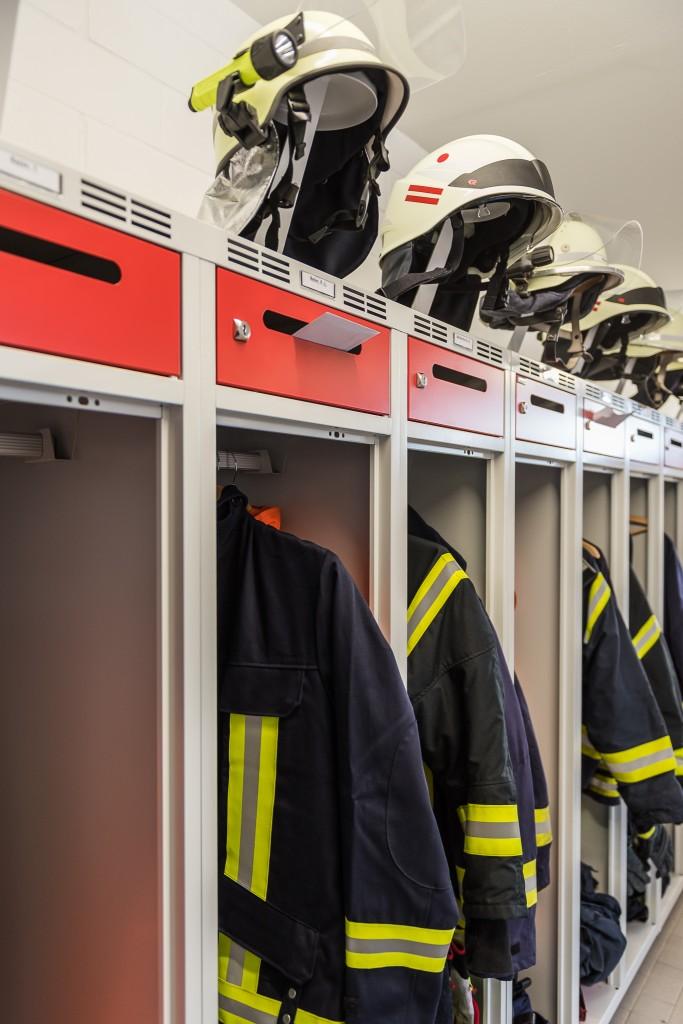 Einsatzspind PRO mit Posteinwurf in der Feuerwehr Boffzen