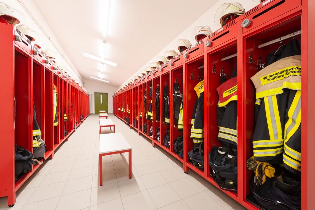 Feuerwehrspinde mit Wertfach und PIN-Code-Schloss im Feuerwehrgerätehaus der FW Sprendlingen