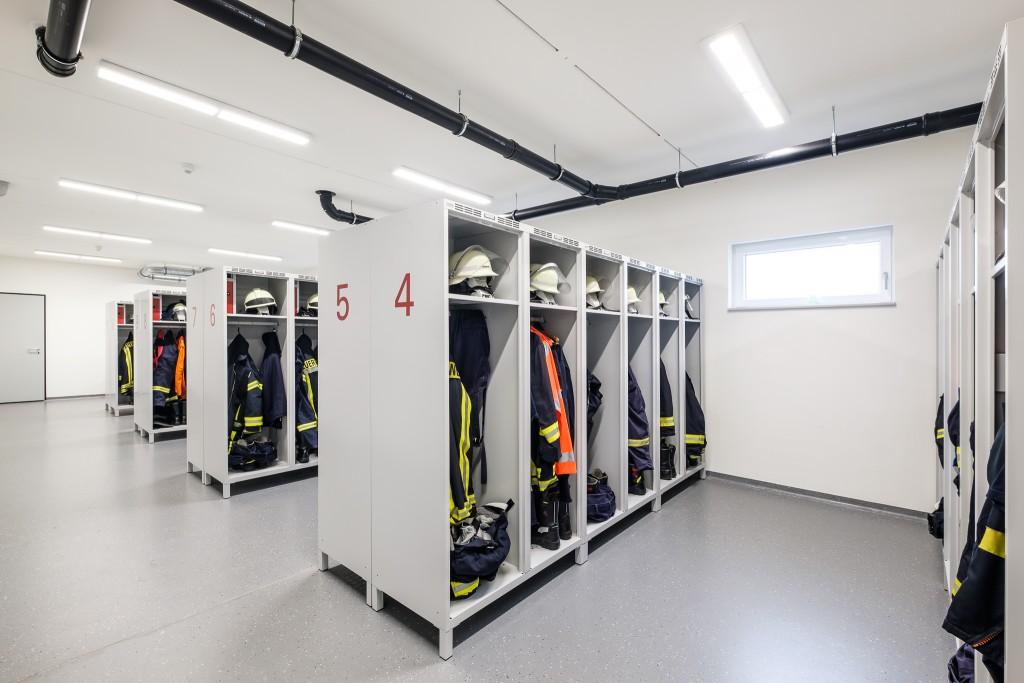 Umkleide im Gerätehaus der Feuerwehr Tholey LBZ Bergweiler-Sotzweiler