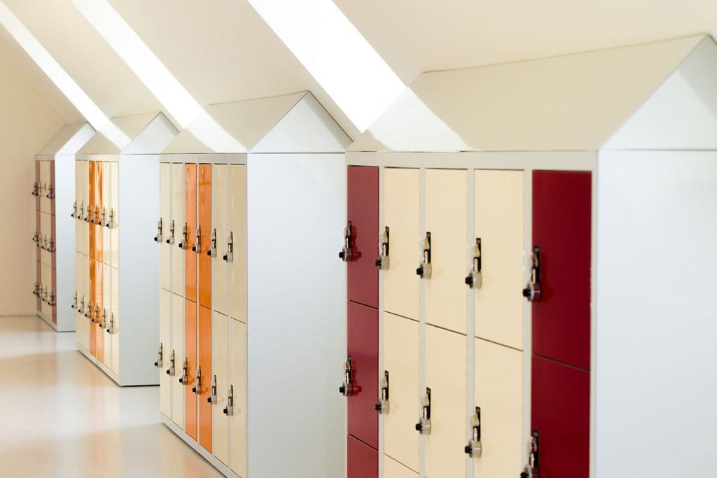 Schließfächer mit Schrägdach in der St. Ursula Schule
