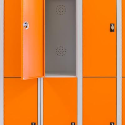 Platzsparende und geräumige Abteile im Garderobenschrank