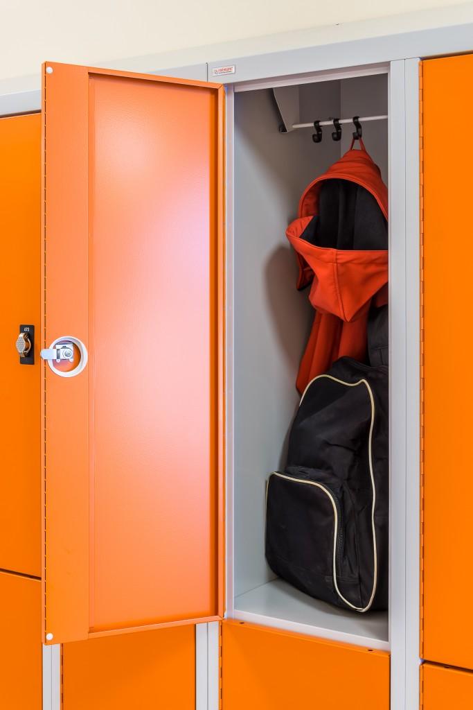 Praktischer Stauraum und viel Platz für Jacke und Rucksack