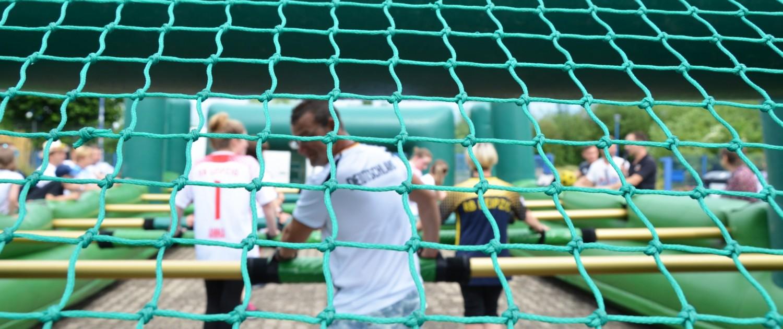 rotstahl Familienfest mit Fußball-Motto