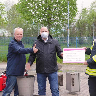 rotstahl® spendet 2.500 EUR an Bad Lausicker Feuerwehr im Mai 2021